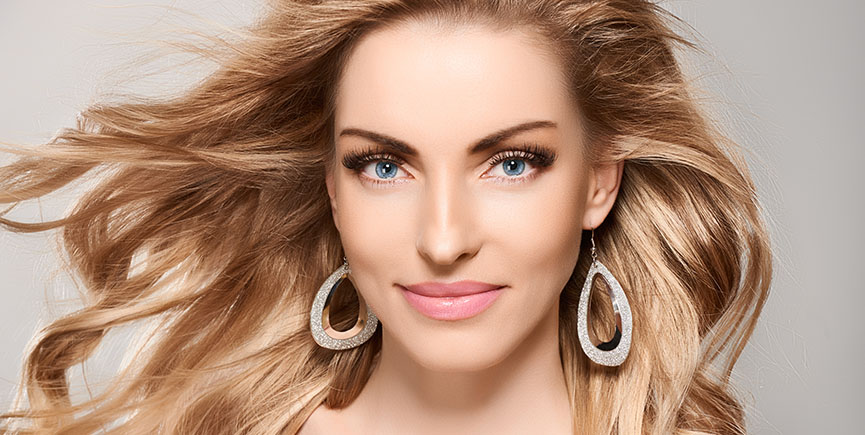 Beauty portrait woman, blue eyes, natural makeup