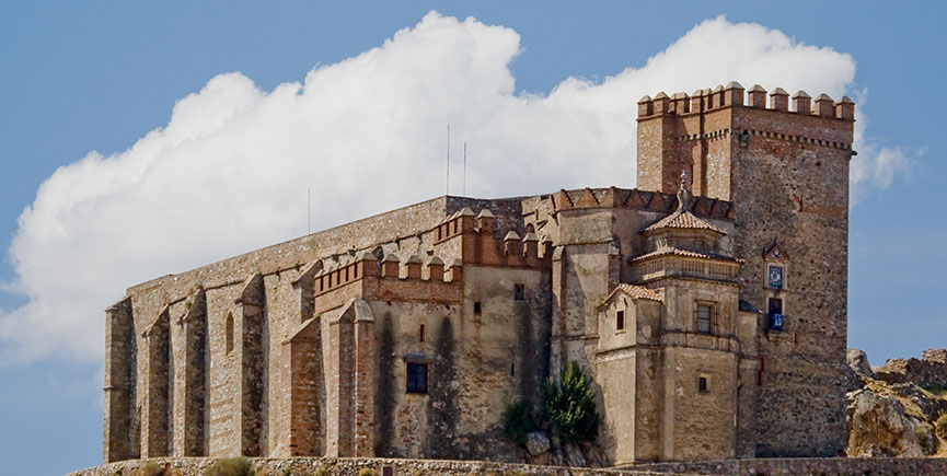Castillo – fortaleza  de Aracena / Castle – fortress of Aracena